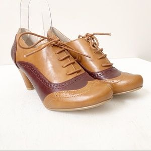 Chelsea Crew Moscato Tan and Brown Oxford Pump